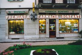 Esterno farmacia